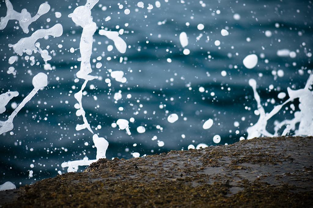 37 - water - 5elements, barcelonaphotobloggers, decorative, dof, sea, selective dof, splash, water,